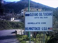 Olevano-Wilmington, DE. USA - cartellone installato a SAlitto di Olevano sul Tusciano